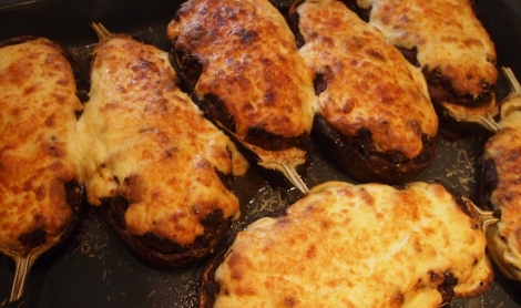 Aubergine stuffed moussaka
