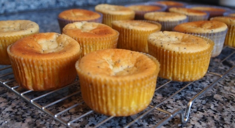 Lemon and poppyseed cupcakes
