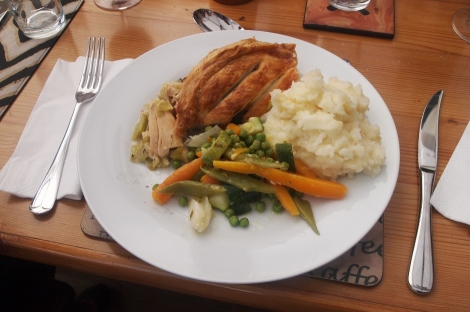 Chicken, leek and tarragon pie