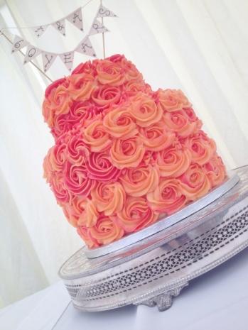 Two tone vanilla rose cake