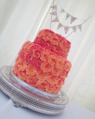 Two tone vanilla rose cake