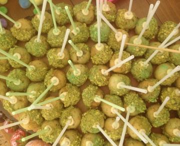 Vegan pistachio and cardamom cake pops